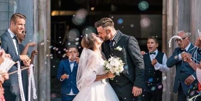 Początek  małżeńskiego szczęścia wiąże się ze znacznymi wydatkami. Policzyliśmy koszty ślubu i wesela. Dokładne dane w dalszej części galerii.