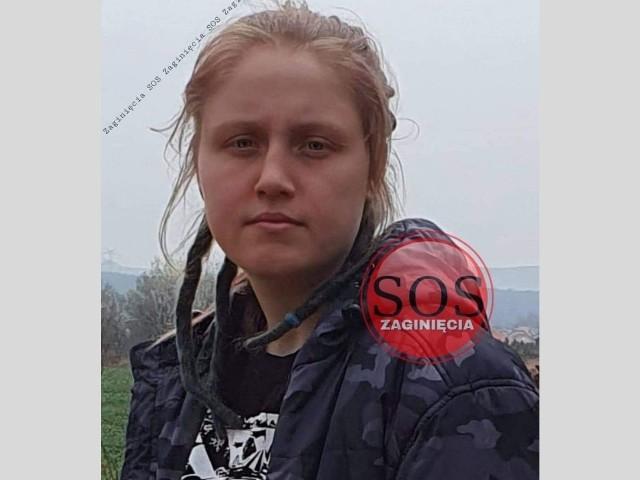 Zaginęła Kalina Ryśnik z Bytomia. Widziałeś ją? Zgłoś się na policję. Zobacz kolejne zdjęcia. Przesuń zdjęcie w prawo - wciśnij strzałkę lub przycisk NASTĘPNE