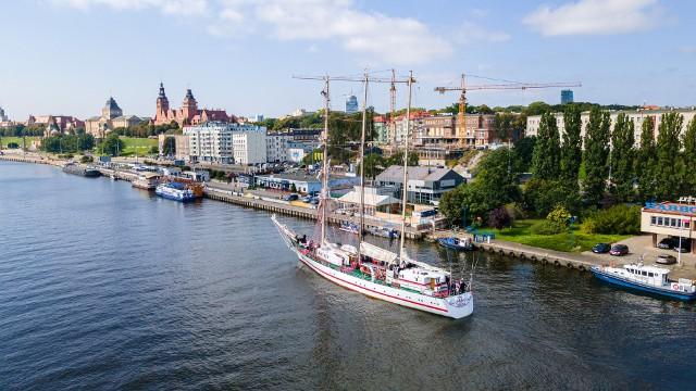 ORP Iskra dotarł już do Szczecina!