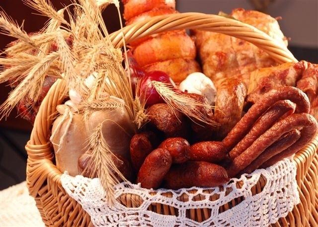 Tuż przed świętami wybiramy raczej droższe wędliny, fot. Przetwórstwo Mięsa - Zychowicz