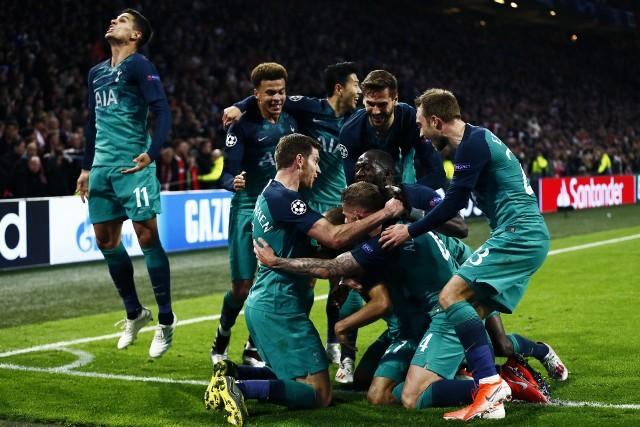 W sobotę Tottenham Hotspur może po raz pierwszy w historii zdobyć Puchar Europy. Ostatnią przeszkodą na ich drodze jest Liverpool. Kibice klubu z północnego Londynu czekają na trofeum od 2008 roku, kiedy to wygrali Puchar Ligi. Przed finałem z The Reds czekają na wieści, czy powracający po kontuzji Harry Kane rozpocznie mecz od początku. Oto przewidywany skład Kogutów na mecz z Liverpoolem.