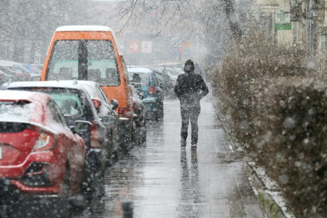 Opady śniegu, przymrozki i oblodzenia. Tego możemy się spodziewać na Podkarpaciu od niedzielnego popołudnia