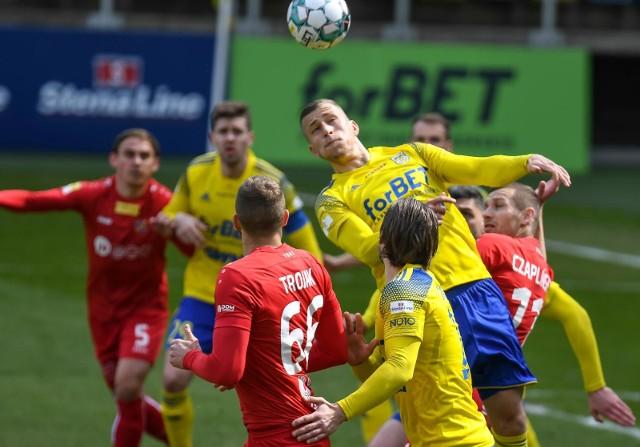 Arka Gdynia kolejny raz zawiodła w tym sezonie. Zaledwie jeden punkt, wywalczony w meczu z Odrą Opole, to spore rozczarowanie.