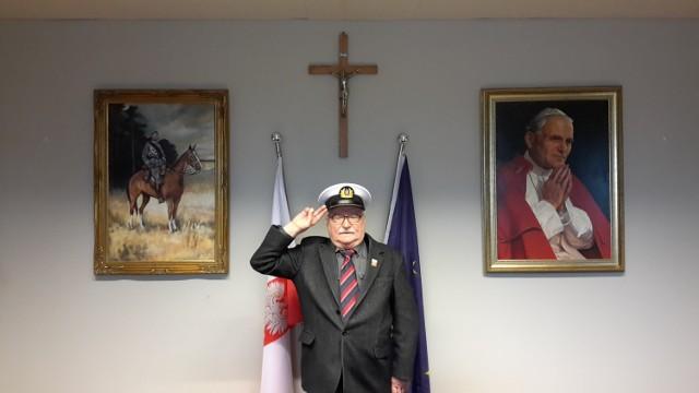 """Były prezydent podpisał zdjęcie: """"Melduję"""""""