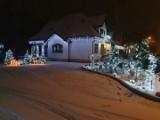 Najpiękniej świątecznie udekorowany dom lub balkon. W Łapach został rozstrzygnięty konkurs