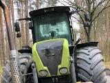 Kradziony ciągnik rolniczy wart 300 tys. zł stał zaparkowany w lesie. Odnaleźli go dzielnicowi z Żar. Maszyna wróciła do właściciela