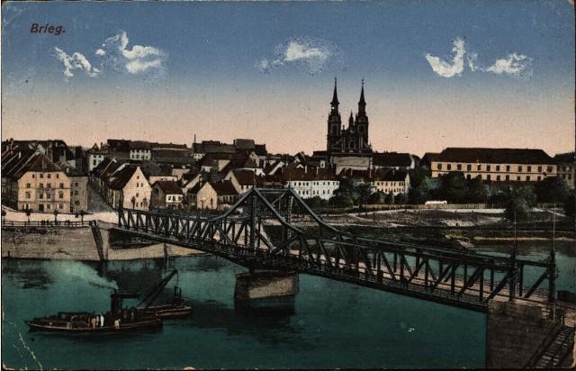 Brzeg przed wojną w kolorze. Rok 1918. Most Odrzański z wjazdem na nieistniejącą już dziś ul. Celną zburzoną po 1945 roku.