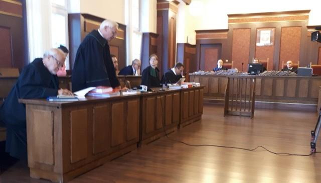 Katowicki Sąd Apelacyjny rozpoznaje odwołanie od wyroku w sprawie zawalenia się dachu hali targowej w Katowicach 28 stycznia 2006 roku