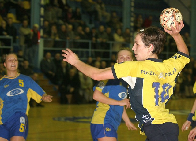 Iwona Brzozowska zdobyła w sobotę cztery gole. Za mało, by pokonać Jelfę.