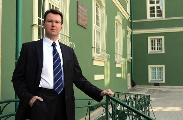 Dr hab. Piotr Chrobak