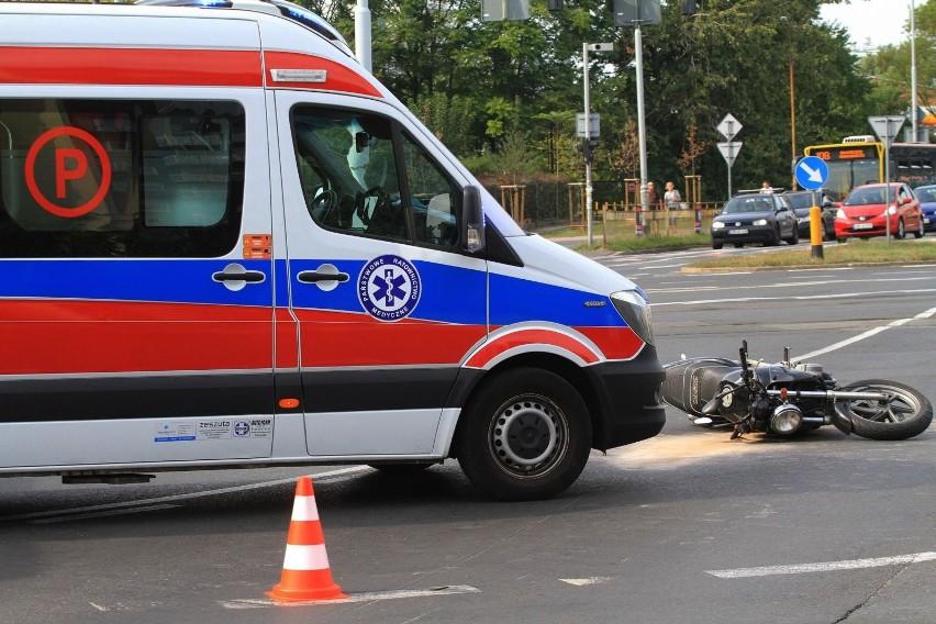 Policjanci pod nadzorem prokuratury wyjaśniają okoliczności tragicznego wypadku, do którego doszło popołudniu w powiecie żnińskim.