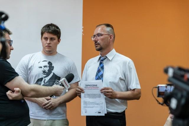 Data 28 czerwca jest ważniejsza niż 11 listopada. Wiatry historii powiały jednak w taką stronę, że data ta jest zapomniana - podkreśla Dariusz Wasilewski (z prawej).