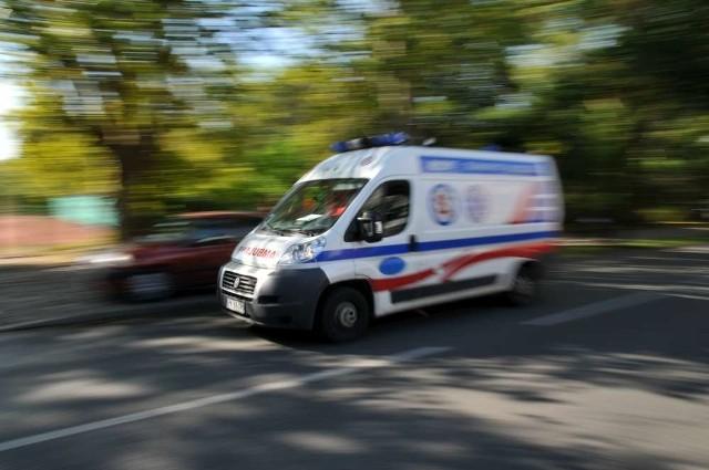 Dwie osoby trafiły do szpitala.
