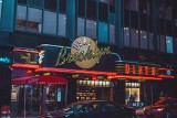 Nowy Jork: bezpiecznie zjesz i wypijesz w restauracji, ale wcześniej zrobisz test na koronaiwrusa, za który musisz sam zapłacić