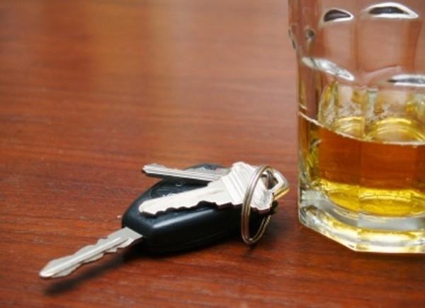 """Alkoholowy """"rekordzista"""" to 37-latek jadący quadem w Klepaczach na ulicy Kolejowej. Miał 3,5 promila."""