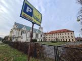 Tak mieszka ojciec Tadeusz Rydzyk w Toruniu. Zobacz zdjęcia niezwykłej posiadłości!