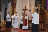 Biskup opolski: Liturgia Triduum Paschalnego może się odbywać na zewnątrz kościoła