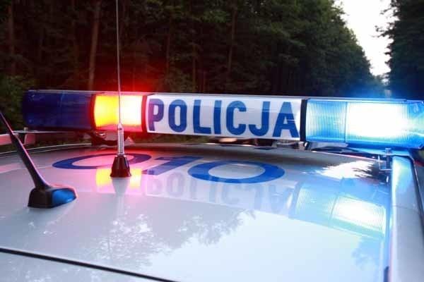 Okoliczności zdarzenia ustalają policjanci z Hajnówki.