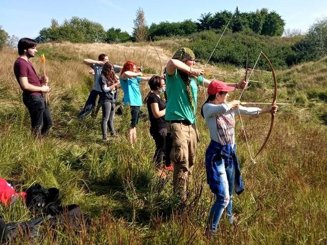 Fundacja Fantazmat w Bydgoszczy organizuje różnego rodzaju zajęcia dla dzieci i młodzieży. Popularyzuje też historię Bydgoszczy. W wakacje 2021 zaprasza na Fantastyczny Camp Fantazmatu, czyli półkolonie dla miłośników gier fabularnych. Zaplanowane są przede wszystkim zajęcia w plenerze