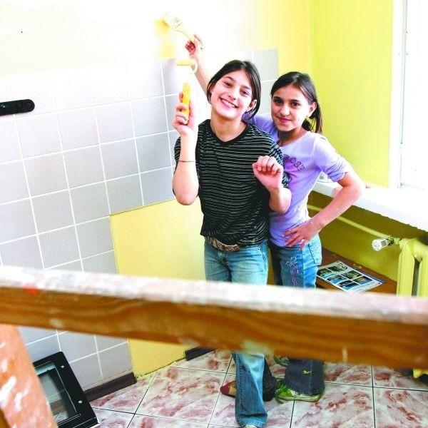 Córki Zaremy i Omara pomagają rodzicom przy remoncie mieszkania