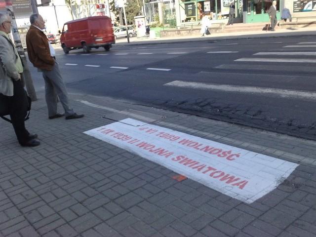 Napisy na ulicach Zielonej Góry.