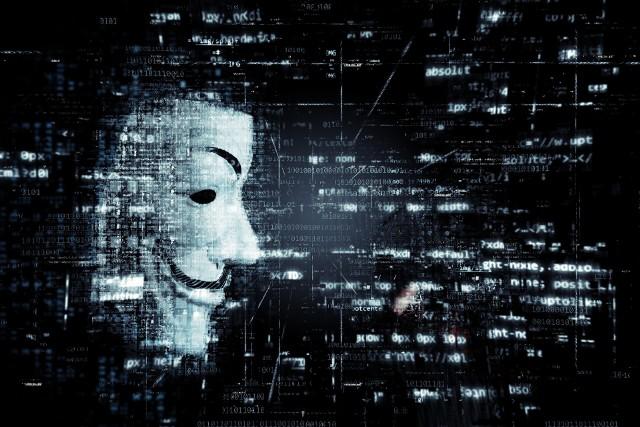 ACTA 2.0: Wokół propozycji zmian UE w prawie autorskim narosło wiele mitów,  po sieci krąży wiele tez, jakoby dyrektywa miała zmienić obecny kształt Internetu. Większość argumentów to jednak mity rozpowszechniane przez Youtuberów, nie mają one żadnego oparcia w faktach i sprowadzają dyskusje do absurdu.