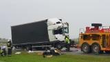 Wypadek na autostradzie A4. Zderzyły się trzy ciężarówki. Na miejsce wezwano śmigłowiec LPR