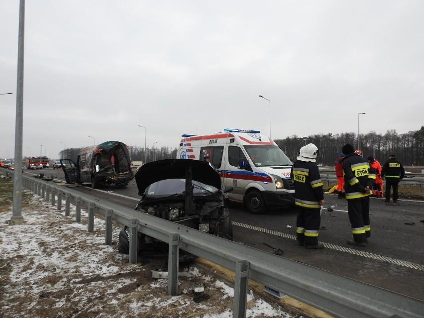 Wypadek śmiertelny na S8 w m. Stare Krzewo. Dwóch kierowców...
