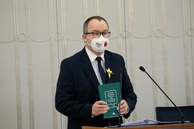 W czwartek, 15 kwietnia zapadła ostateczna decyzja. Przewodnicząca trybunału Julia Przyłębska poinformowała, że artykuł 3 ustęp 6 ustawy o Rzeczniku Praw Obywatelskich jest niezgodny z konstytucją.
