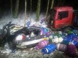 Śmiertelny wypadek w miejscowości Cis (gm. Zblewo) 29.03.2018. Zderzenie samochodu osobowego i ciężarówki z butlami LPG na DW nr 214