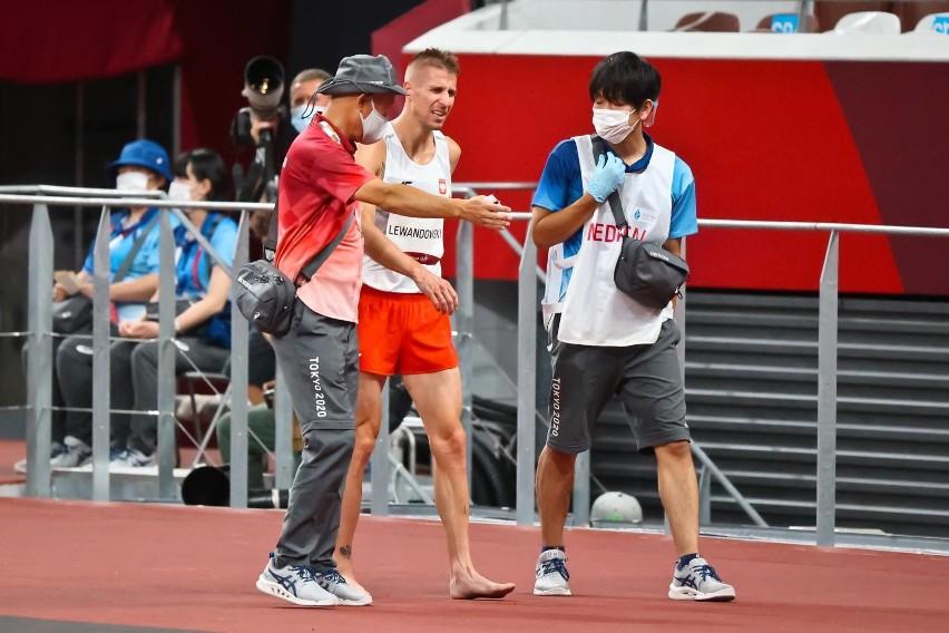 Marcin Lewandowski w półfinale 1500 m odniósł kontuzję.