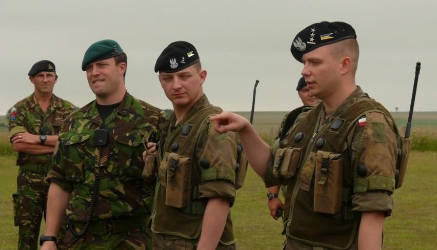 Nasi żołnierze szkolą się razem z Anglikami.