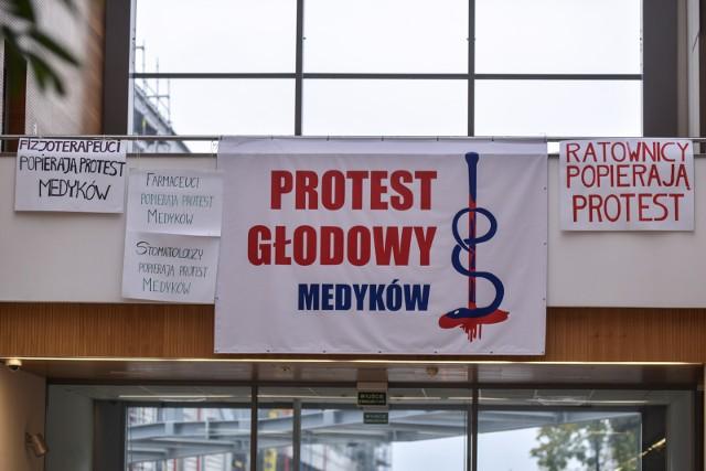25.10.2017 - Gdański Uniwersytet Medyczny - Centrum Medycyny Inwazyjnej. Protest głodowy lekarzy rezydentów