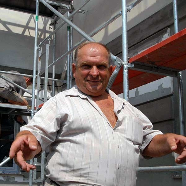 Julian Wota z Przemyśla jest zadowolony z pracujących w jego firmie więźniów