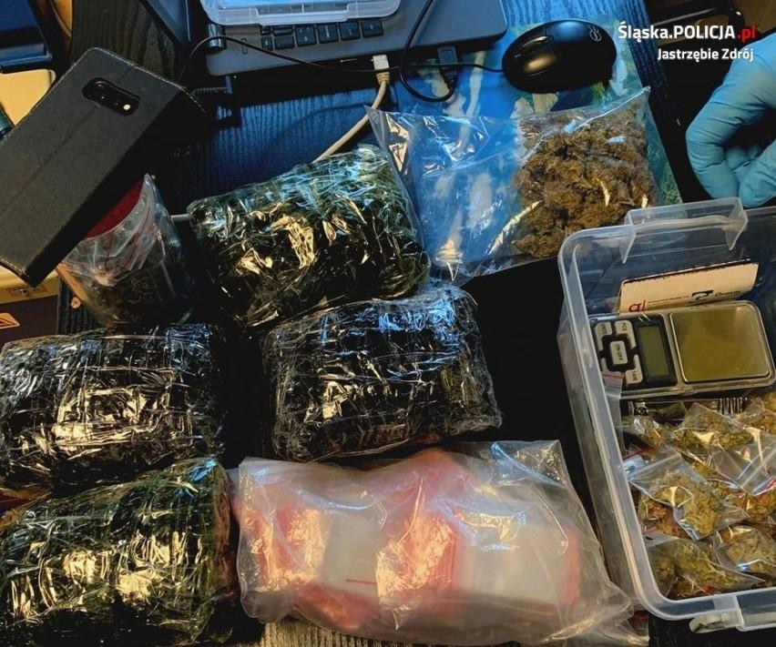 Do aresztu trafił 52-latek, który sprzedawał nieletnim marihuanę