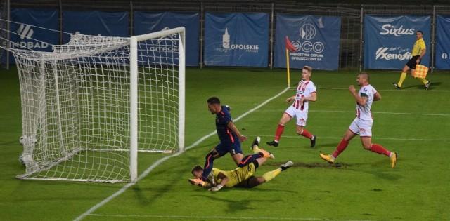 Jesienią Odra Opole wygrała z Apklan Resovią 1:0 po golu doświadczonego Arkadiusza Piecha w 11. minucie.