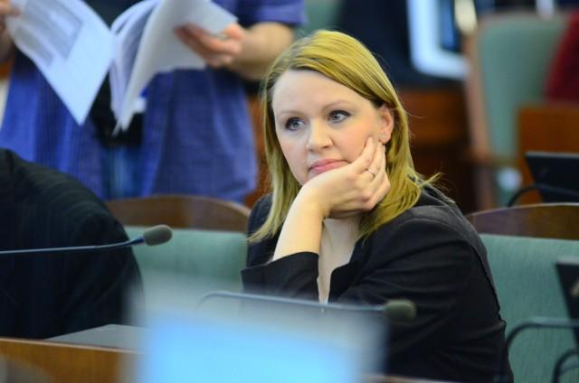 - Sesje inauguracyjne w radach osiedli przewodniczący obstawia ludźmi z PO - twierdzi B. Urbańska