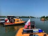 Mikołajki. Katastrofa śmigłowca. Helikopter wpadł do jeziora Tałty (zdjęcia)