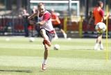 Trener drugoligowych piłkarzy Widzewa Marcin Kaczmarek zamierza pozbyć się wielu piłkarzy