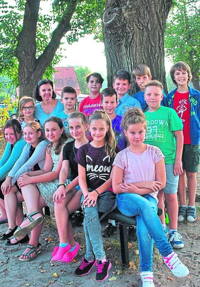 - Naszą ulubioną lekcją jest wychowanie fizyczne - napisali uczniowie 5 SP 3 w Żaganiu (wychowawczyni Danuta Lipiak)