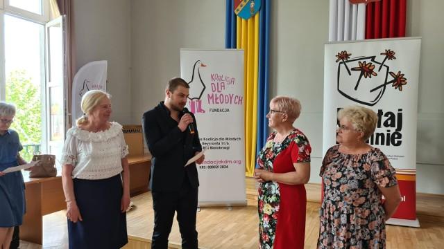 W piątek, w sali konferencyjnej białobrzeskiego Urzędu Miasta i Gminy odbyło się wręczenie grantów z tegorocznej edycji Programu Działaj Lokalnie.