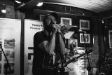 Arek Jakubik dał rewelacyjny koncert w HRPP w Toruniu a właściwie dwa koncerty. Duet Arek Jakubik & Olaf Deriglasoff na fali [Premiera]
