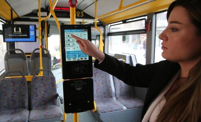 Kasownik biletowy w autobusie MPK Wrocław.