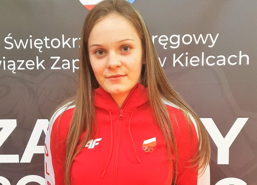 Weronika Kapinos została wicemistrzynią Polski juniorek w zapasach.