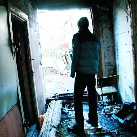 Czytelnik pokazał nam wnętrze domu, w którym zbierają się młodzi ludzie. Nikt normalny nie chciałby tam spędzać czasu.