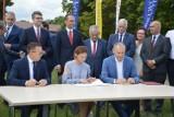 Droga S6 z Leśnic do Bożegopola. W Lęborku podpisano umowę na projekt i budowę nowej trasy. Kiedy będzie gotowa?