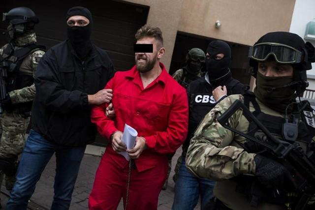 """Paweł M. ps. """"Misiek"""" na 400 stronach zeznań opisał nie tylko swoją przestępczą działalność."""