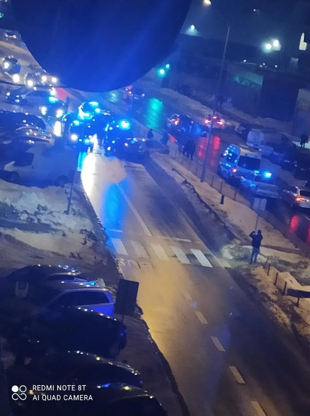 Białostoccy policjanci zatrzymali przy ul. Jurowieckiej podejrzanego o kradzież samochodu. Mężczyzna był pijany