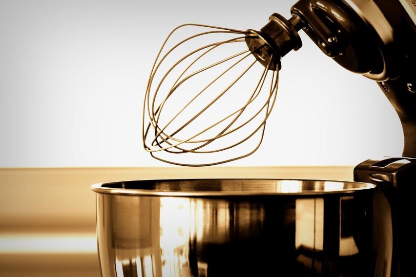 Natężenie pola mierzone 60 cm od urządzenia: 10 mG...