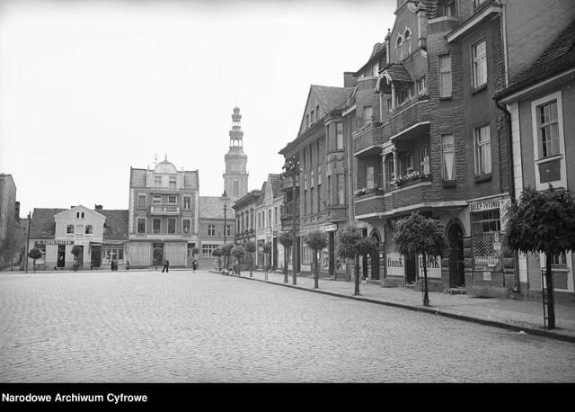 Chełmża na starych zdjęciach to fascynująca wycieczka na ulice dawnego miasta. Zobacz jak zmienił się rynek, katedra, okolice jeziora i uliczki. Oto wiele unikalnych ujęć prezentujących widok ogólny. Miłego oglądania! Ciekawe czy rozpoznacie wszystkie miejsca?
